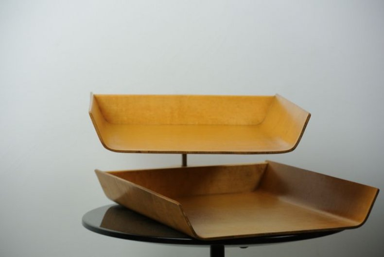 "KNOLL ""letter tray"""